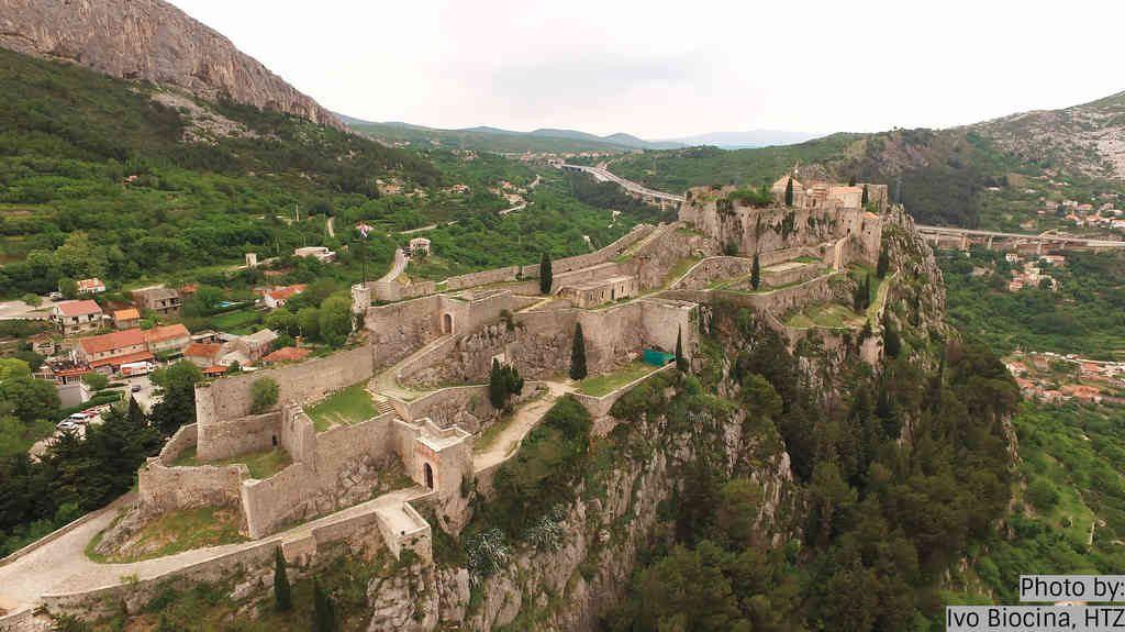 Historical Klis fortress Salona walking tour