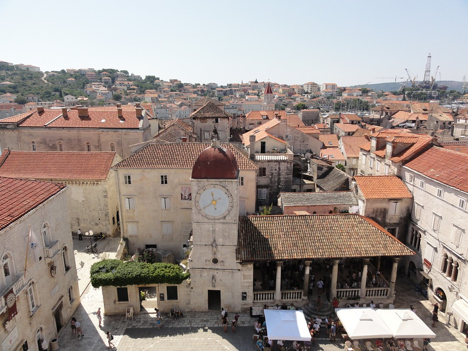 above-the-roofs-of-trogir-73175_960_720