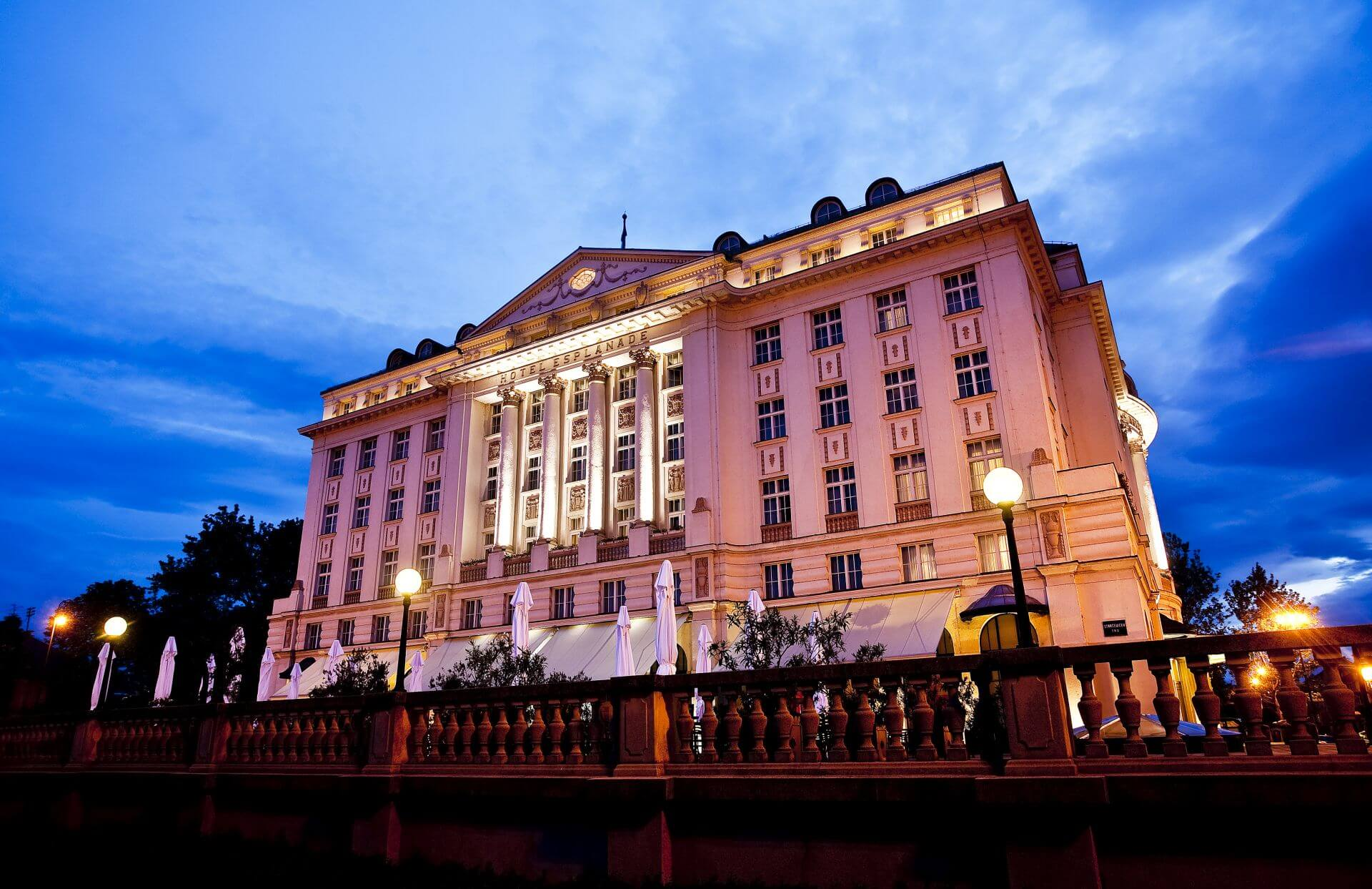 esplanade-zagreb-hotel-blue-night-sky