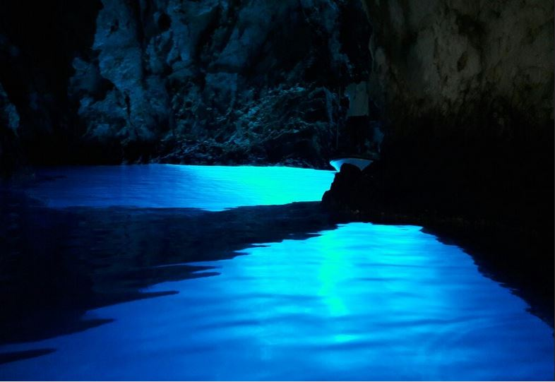 Boat tour PRIVATE Blue lagoon Blue cave