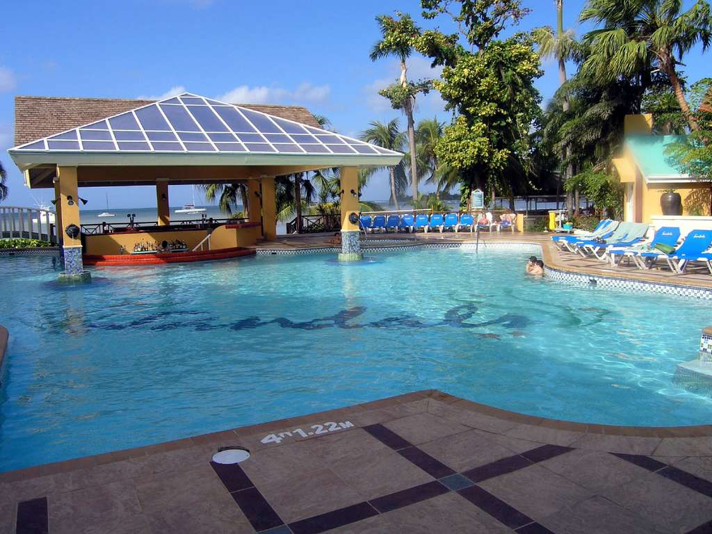 The_main_pool_at_Sandals,_Negril_(171419342)_copy