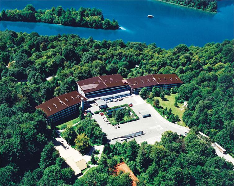 croatia_lika_karlovac_plitvicka_jezera_hotel_jezero_001
