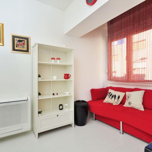 Modern apartment close to the center