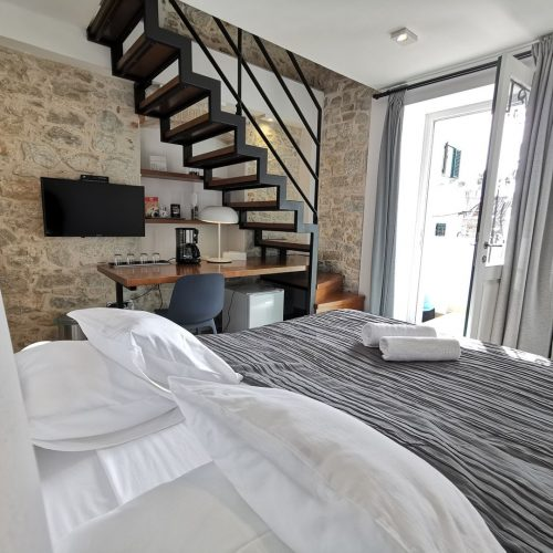 Cozy duplex room in the old town